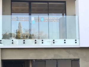 , External Face Fixed Balcony Glass South Perth